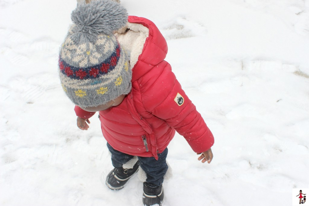 toddler-first-snow