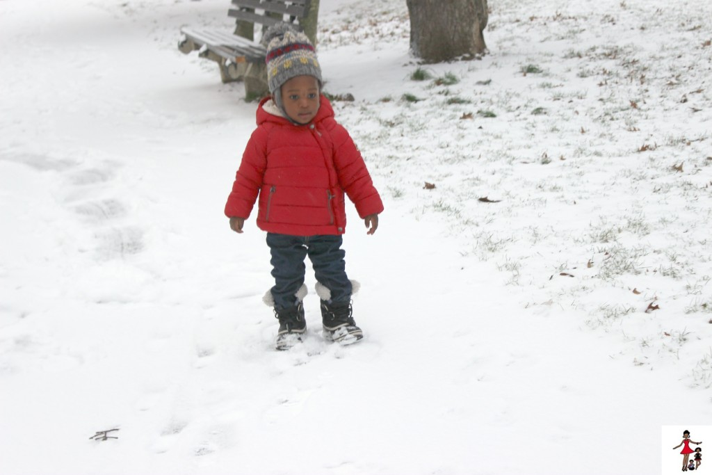 toddler-in-snow