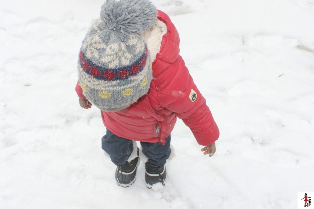 toddler-stomping-in-snow
