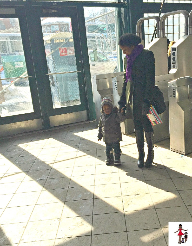 new-york-moms-subway-with-toddlers