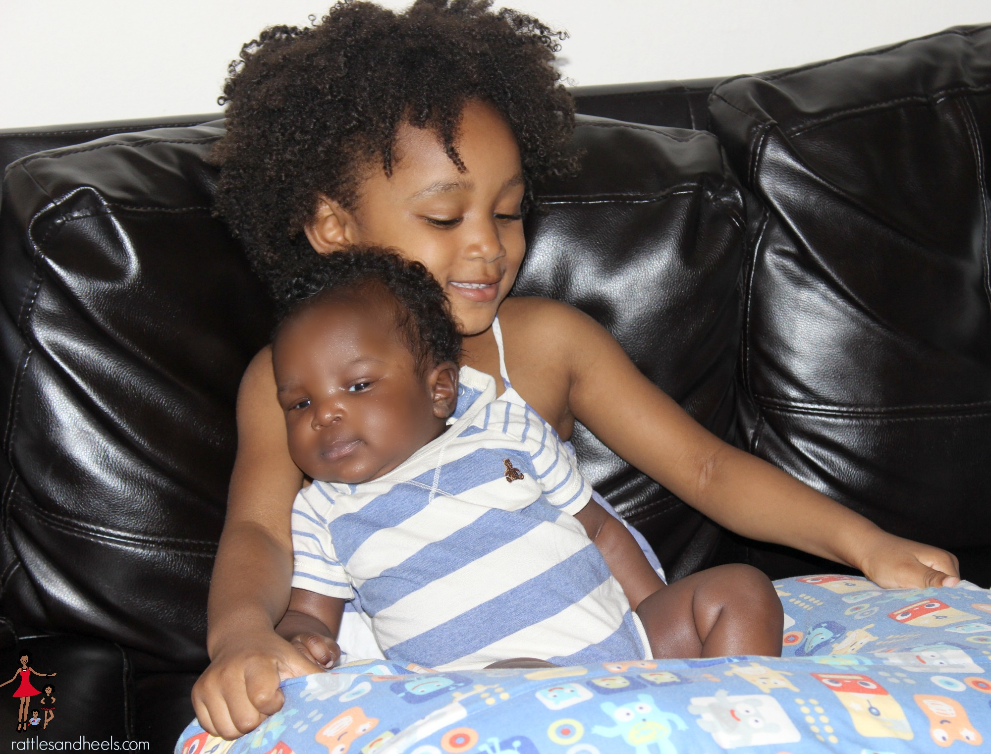 Toddler-and-newborn-bond