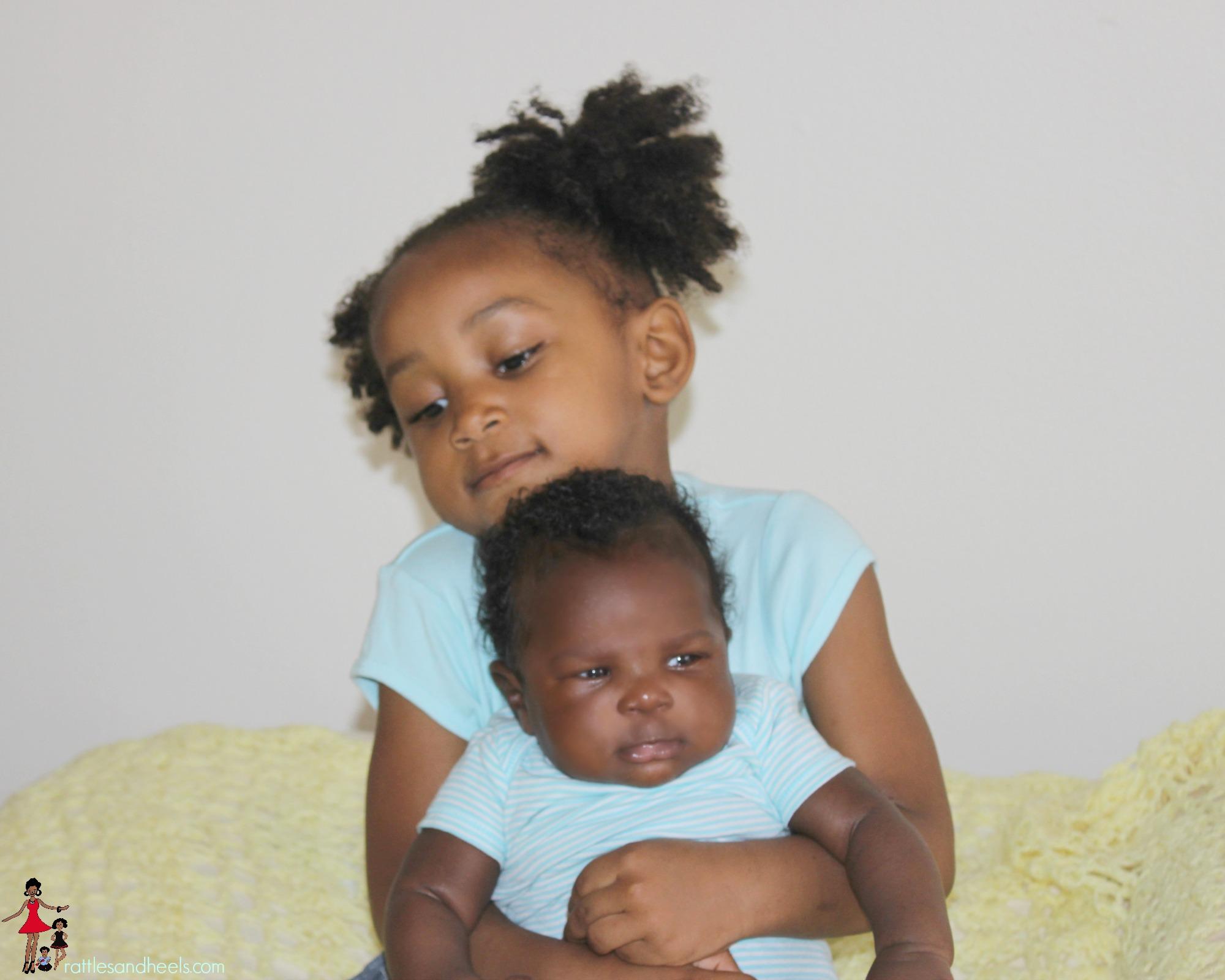newborn-toddler-bonding