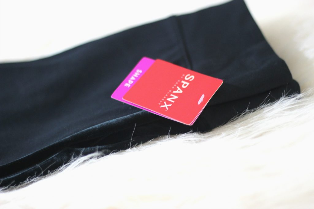 Spanx-pointe-velvet-leggings