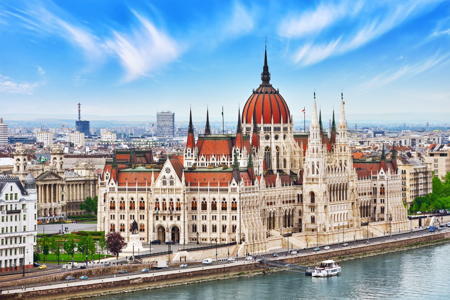 Tips To Plan An Affordable Family Trip To Europe