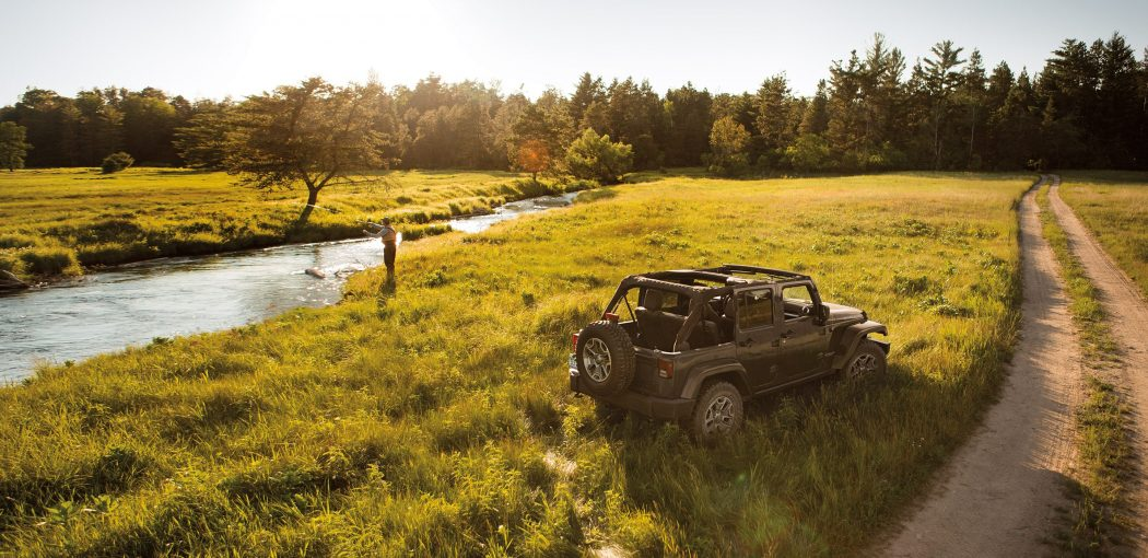 2017-Jeep-Wrangler-Unlimited-Gallery-Exterior-Sahara-Black-Field.jpg.image.2880