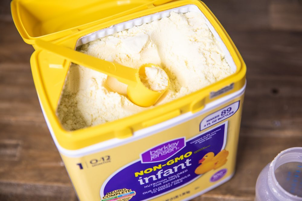 Tips for weaning baby and picking infant formula