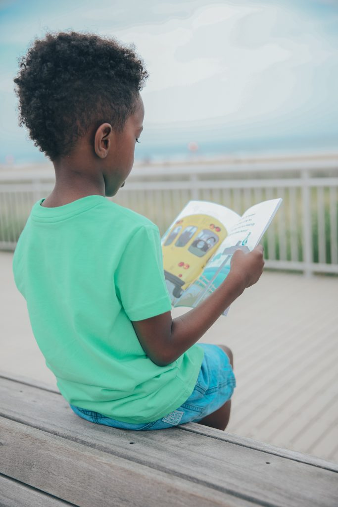Encouraging Your Child to Become a Confident Reader | Tons of Resources