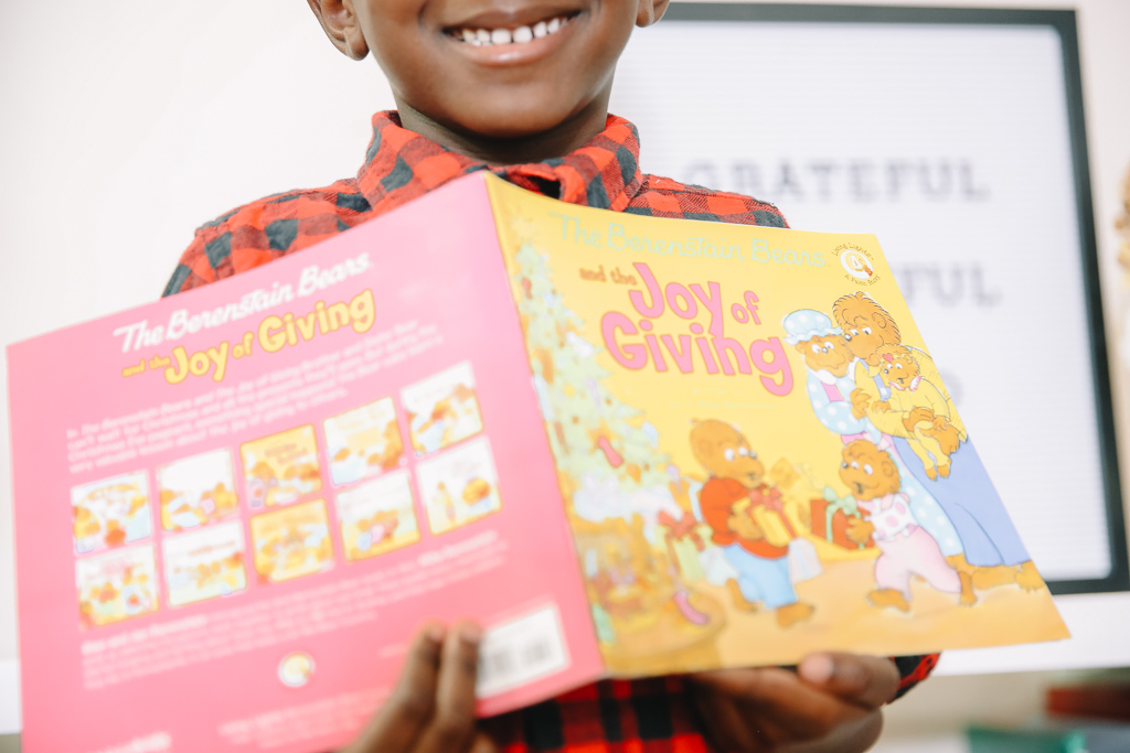TEACHING CHILDREN TO GIVE BACK DURING THE HOLIDAYS