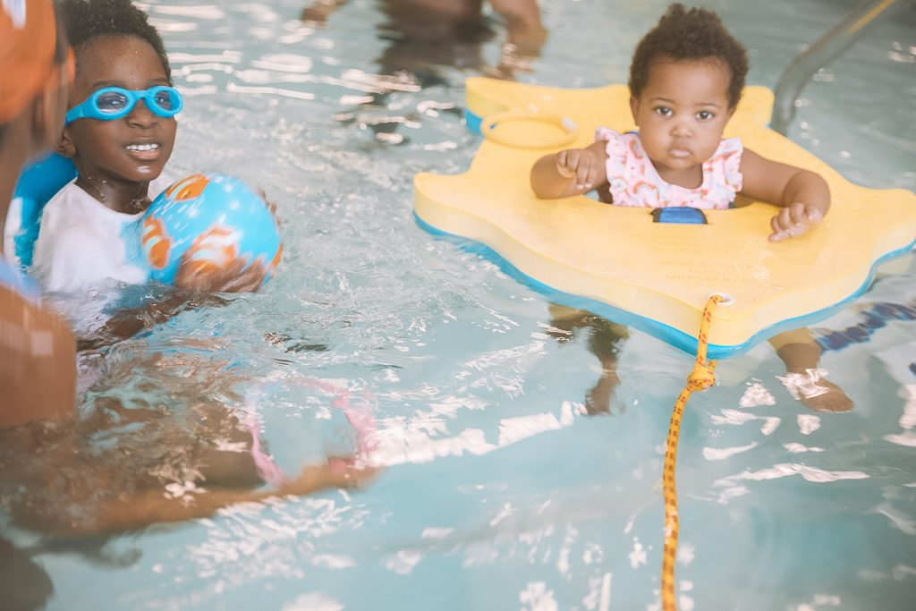 3 Benefits of a Goldfish Swim School Membership Besides Swimming Lessons